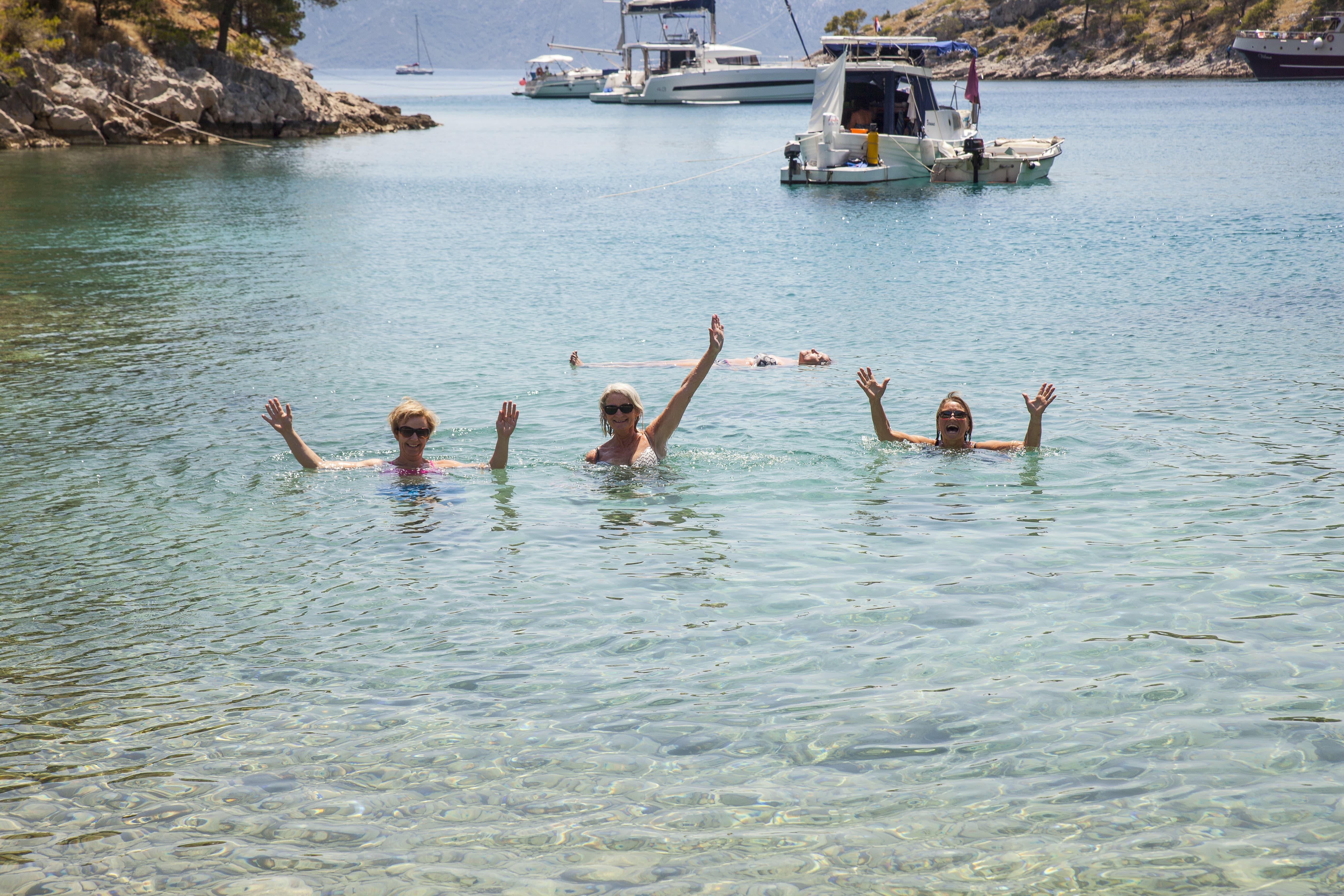 Herlig øyhopping med fotturer og yoga med Linn Murphy